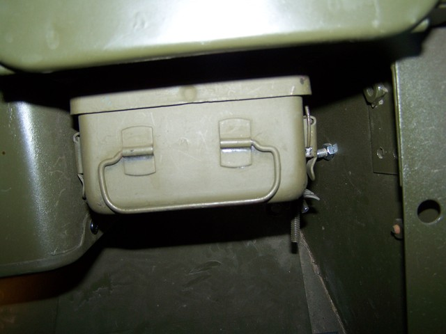 willys m jeeps forums-viewtopic-m-38 1st aid kit and brackets